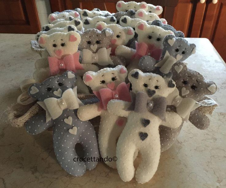 Orsetti in pannolenci Little bears. by giuseppina ceraso crocettando https://crocettando.wordpress.com/2017/04/30/orsetti-small-bears-petits-ours-tutorial/
