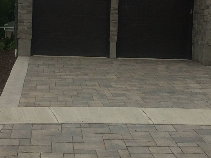 Close up on the Kensington driveway installed! Looks good!