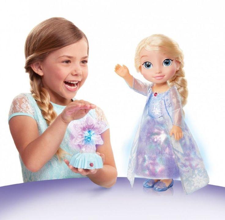 """Elsa w blasku zorzy polarnej to wymarzona towarzyszka zabaw dla każdej dziewczynki. Lalka z bajki """"Kraina lodu"""" ubrana jest w magiczną suknię, która mieni się blaskiem zorzy polarnej.  #Elsa #dzieci #kids #gifts"""