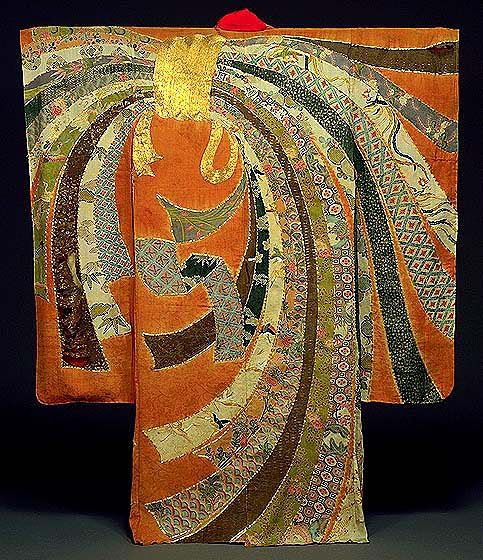 This is an excellent example of an Edo Period yuzen-dyed kimono. Colorful noshi (auspicious strips of dried fish or seaweed) are bundled at the left shoulder and flow over the body in a dynamic composition.