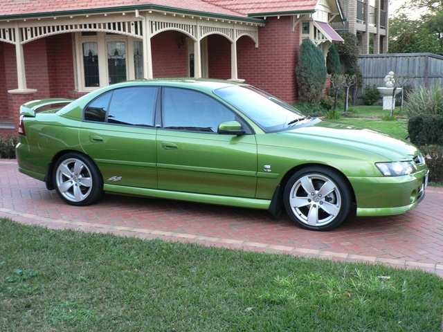 VY SPak Commodore sedan