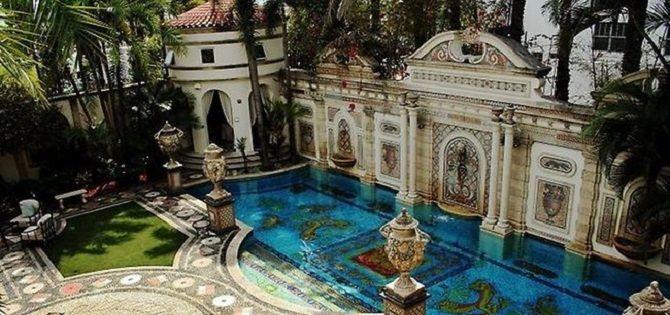 La mansión de Versace sale a subasta