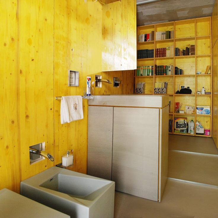 Yellow submarine, bathroom by estudoquarto architectural firm