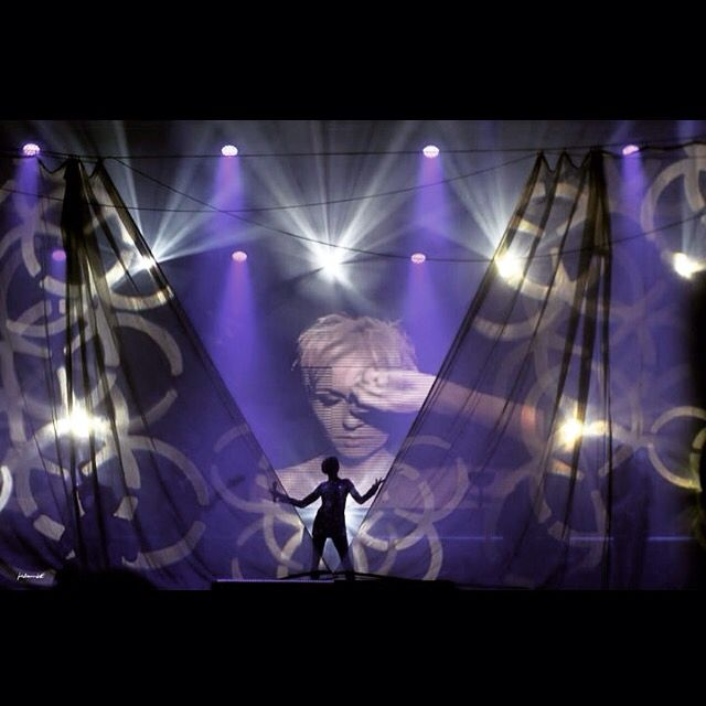 Anna Wyszkoni - concert, music, artist, singer, amazing, lights, stage, passion