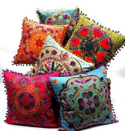 Indische stijl  In de indische stijl zoeken ze steeds een middelpunt/startpunt, van daaruit ontstaan de tekeningen