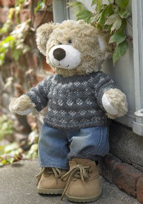 Knit sweater and sock pattern for Build-a-Bear (in Danish)