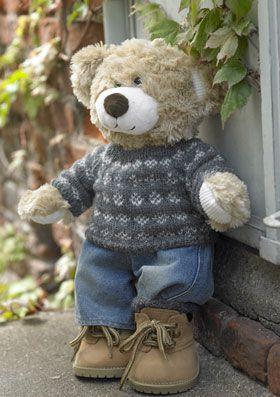 Free Danish pattern for this Classic sweater for teddy Bear. Iført sweater i klassisk færøstrik og lune strømper kan Bamse roligt gå efteråret i møde