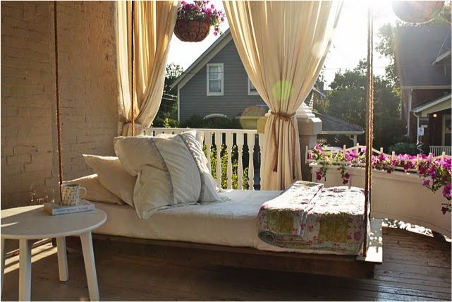 Porch Swinging Daybed!: Outdoor Beds, Swing Beds, Hanging Daybeds, Porch Swings, Hanging Beds, Back Porches, Beds Swings, Porches Swings Beds, Front Porches