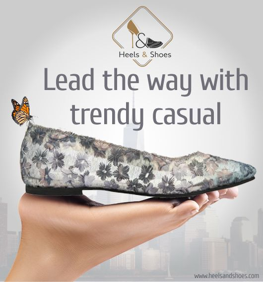 The luxurious flats for women this season: The simple and elegant design always stands out, this selection blends with the latest trend and trans-seasonal flats on offer. ➦http://bit.ly/softstyleflats Instagram: Heelsandshoesln Twitter: HeelsandshoesIn #heelsandshoes #classic #casualstyles #elegantdesigns #latestfashion #softstyle