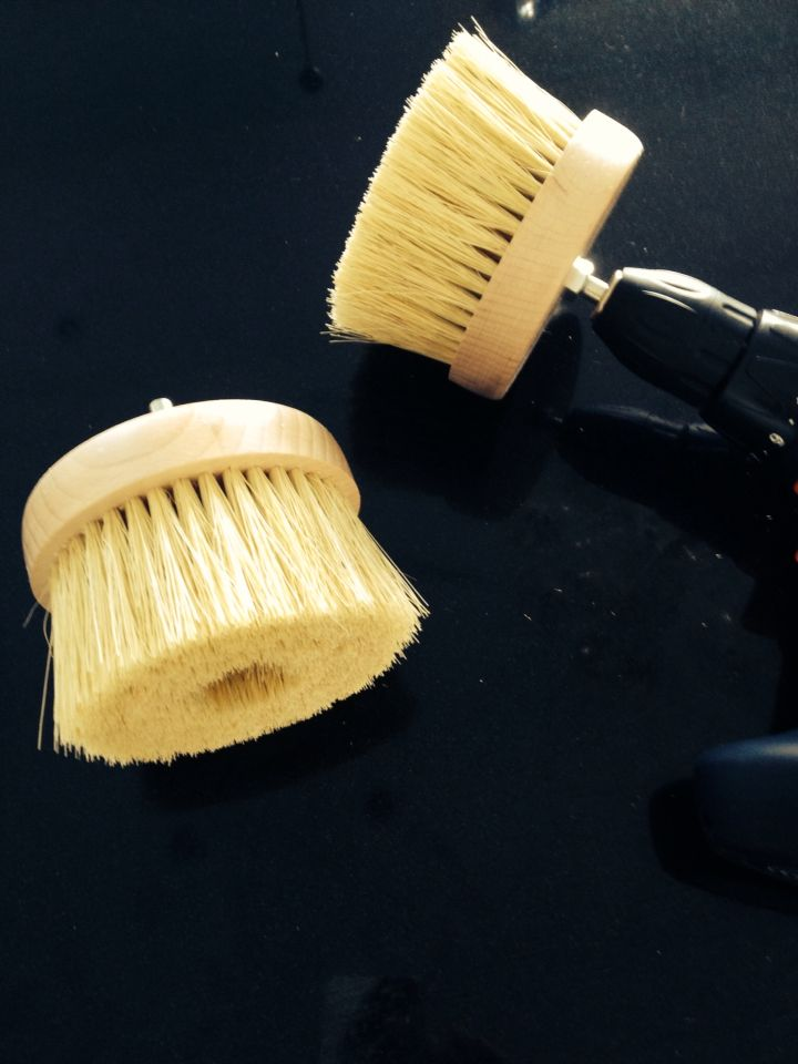 Nordic Chic Buffer Brush