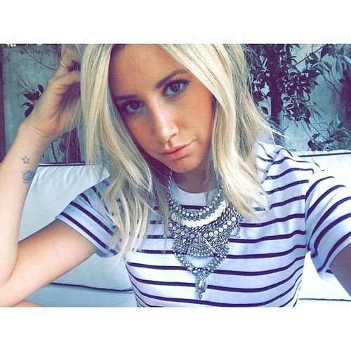 Emily) Is There Any Single Guys Who Would Like To Go Out With Me?  Im New Here And I Need Someone To Show Me Around.