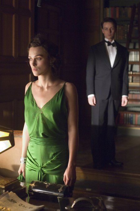 Keira Knightly and James McAvoy in Atonement (that emerald dress is perfection)