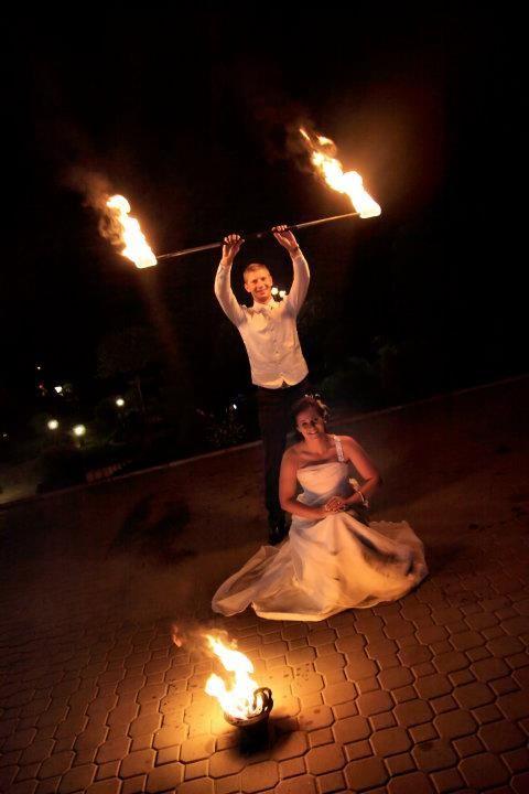 Pokaz fireshow na weselu www.fabrykaslubu.pl
