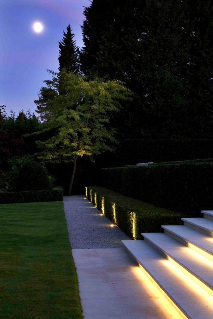 30 Diy Lighting Ideas At Night Yard Landscape With Outdoor Lights Modern Landscape Lighting Landscape Lighting Design Modern Garden Lighting
