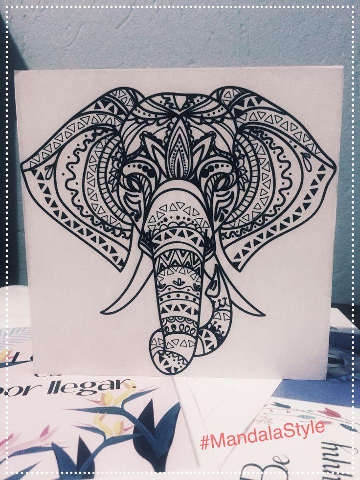 Elefante mándala,  cuadro decorativo, regala mugs y cuadros personalizados. @GalajumaStore