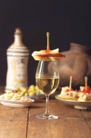 """A tradition form the South of Spain. Put a 'tapa' of """"jamón ibérico"""" on top of your sherry cup.../Una tradición del sur de España. Tapar tu vino de Jerez con una """"tapita"""" de jamón de Ibérico..."""