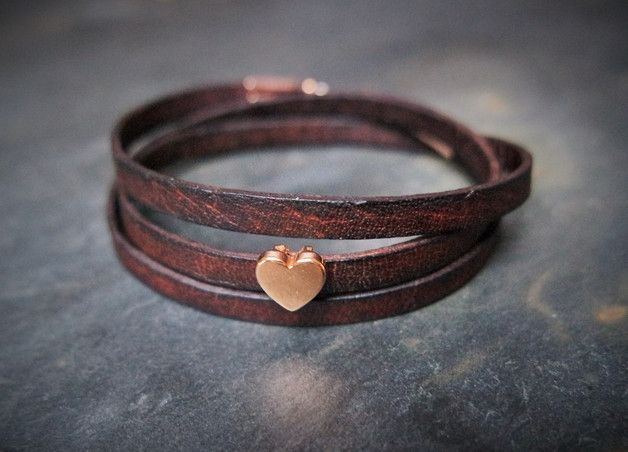 Braunes Wickelarmband aus Leder mit kleinem Herz in Rosegold, Geschenk für Valentinstag / brown leather bracelet with a small heart in rose-gold made by Irmy via DaWanda.com