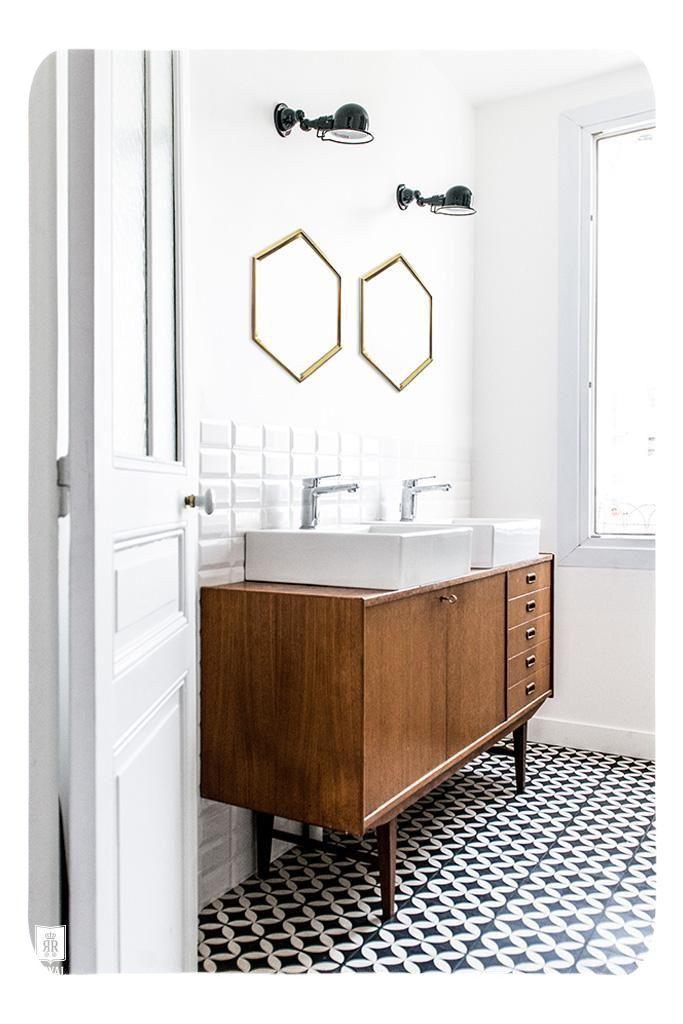 Bathroom Decor. Make A Splash In Your Bathroom Furnishing By Properly  Introducing Bathroom Accessories, Towels And Storage Contu2026