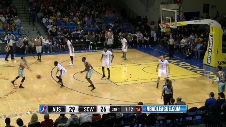 Meci de basket NBA Austin Spurs contra Santa Cruz Warriors