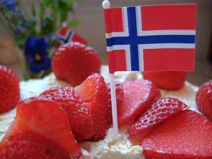 blotkake-norwegian birthday cake. making this soon! :)