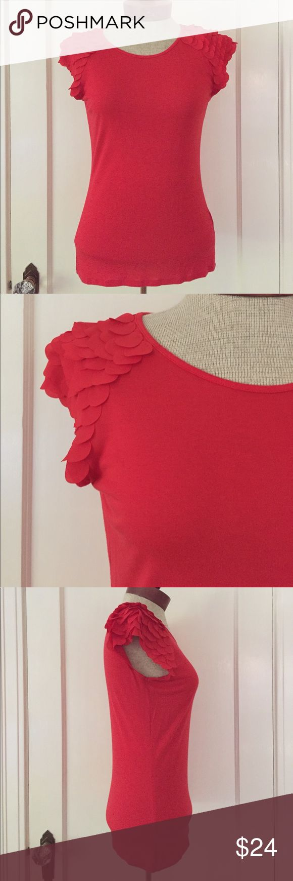 Ted Baker Tee Excellent used condition. Perfect. Ted Baker London Tops Tees - Short Sleeve