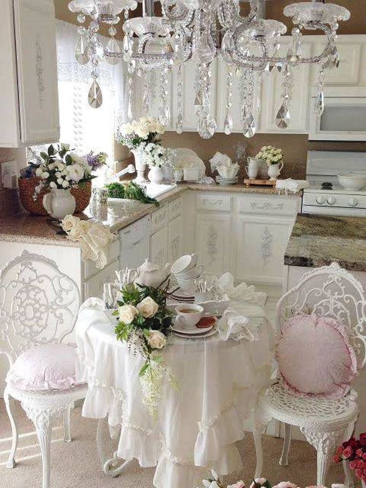 720 best images about shabby chic cozy cottage on for Table salle a manger shabby chic