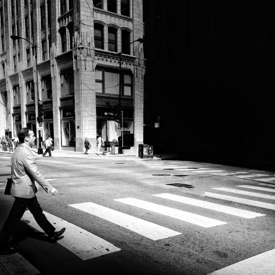 9 Tips For Taking Amazing iPhone Photos In Busy Cities