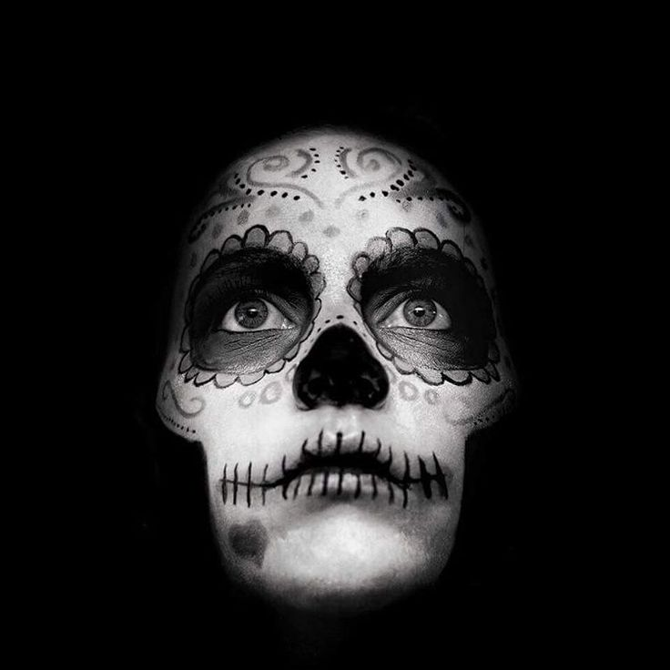 Creative makeup - Day of the dead, sugar skull.   See this Instagram photo by @thesilentgallery • 264 likes