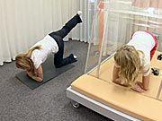 Cviky na břicho - cviky na hubnutí břicha a boků doma