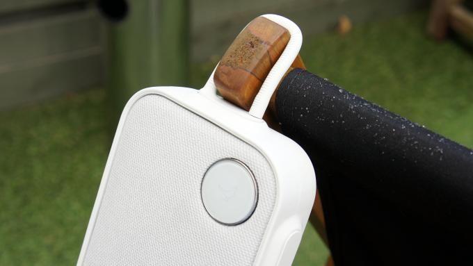 Splash proof speaker to bring everywhere