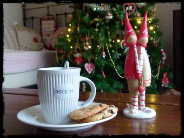 un chocolat chaud et des cookies pour le Père Noël