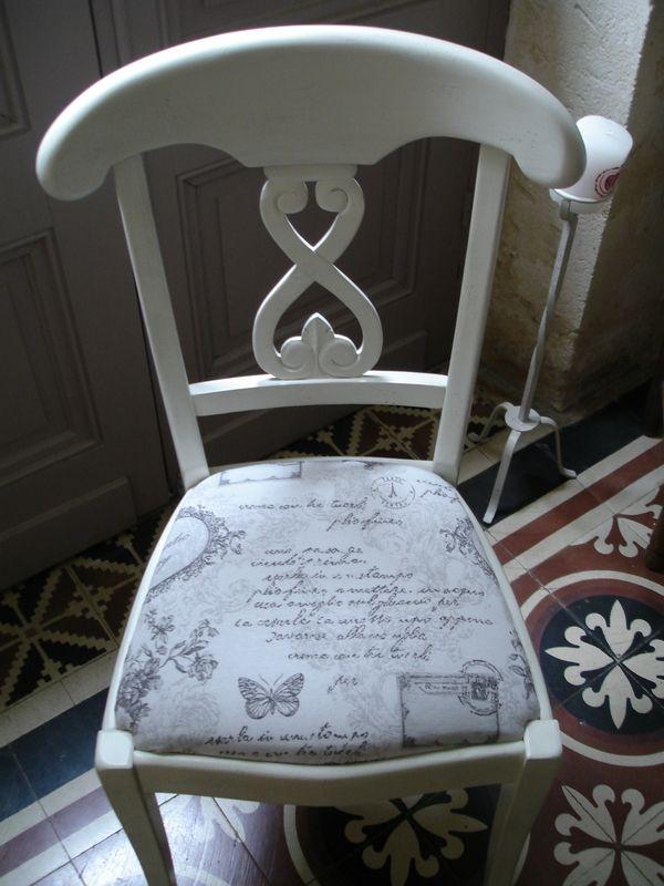 Chaise patin e ficelle avec tissu changement de tissu gris for Meubles patines