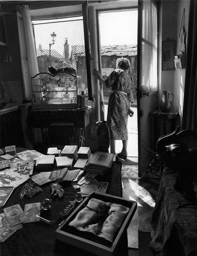 La table de Madame Rayda rue Vilin - Robert Doisneau 1953