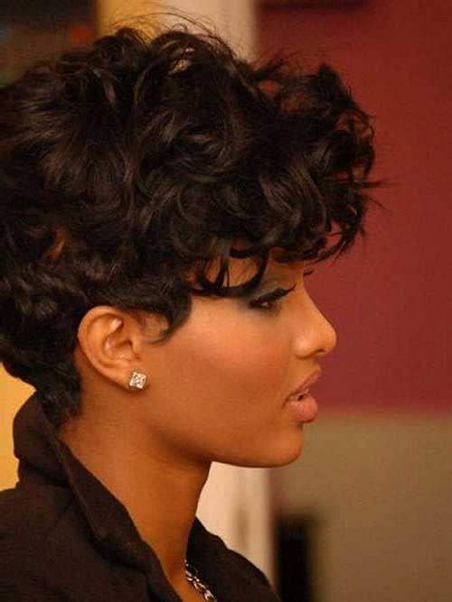 hat lockiges Haar und der Suche nach alle Frisuren für lockiges und gewelltes Haar? Hier sind die Best Short Curly Weave Frisuren wir anbeten. Werfen Sie einen Blick auf diese kurzen Abschläge Zeit und wählen Sie Ihren nächsten Stil!