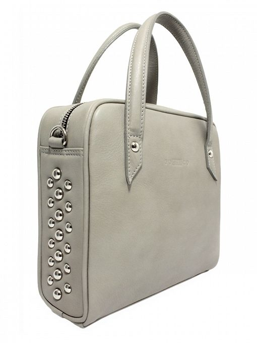 Bag is made from the highest quality grain leather in gray. On the sides are metal studs. From the inside it is decorated with jacquard, gray lining with delicate dots. The whole suspended on leather belt ended snap hooks, which can be removed. Each original handbag GOSHICO id is in the middle of the tab with our logo and website address. PRICE: 179.74 € http://goshico.com/kuferek-z-paskiem-rebel-1390.html