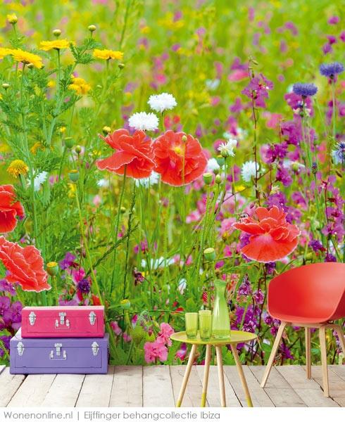 Omring u met de IBIZA behangcollectie en beleef uw mooiste reis telkens opnieuw. Handgeschilderde bloemen, kleurrijke dessins of juist stralend wit.