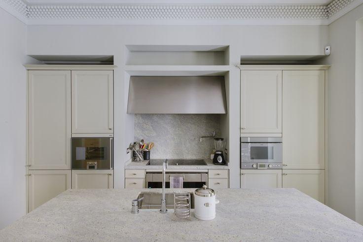 Ideas de #Cocina, estilo #Contemporaneo color  #Beige,  #Blanco,  #Plateado, diseñado por Nimú, equipo de diseño  #CajonDeIdeas