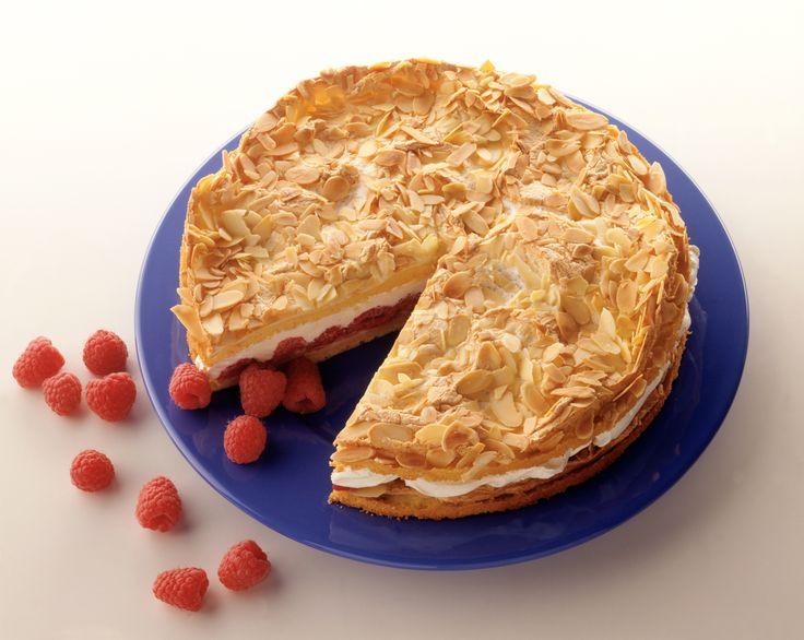 Himbeer-Mandel-Torte | http://eatsmarter.de/rezepte/himbeer-mandel-torte