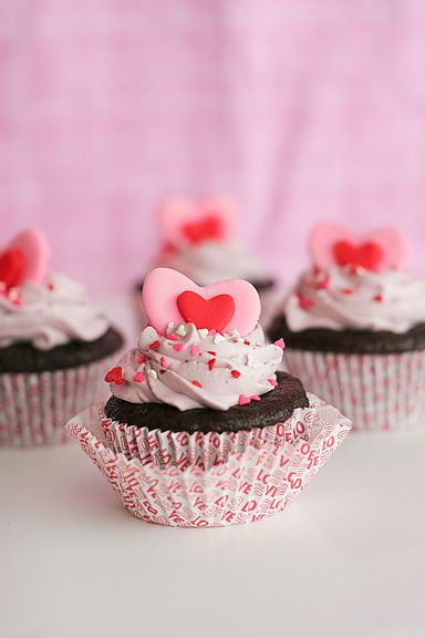 One-Bowl Chocolate Cupcakes (Taste and Tell).