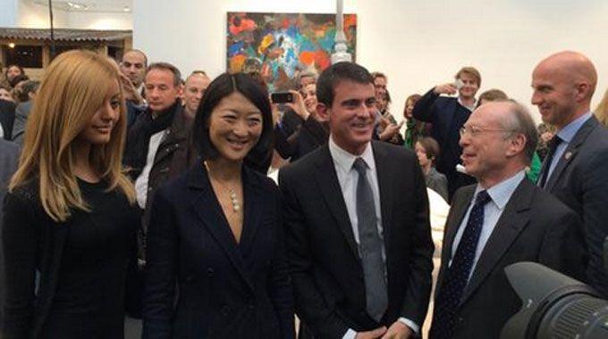 Manuel Valls croise Zahia Dehar : Rencontre du troisième type
