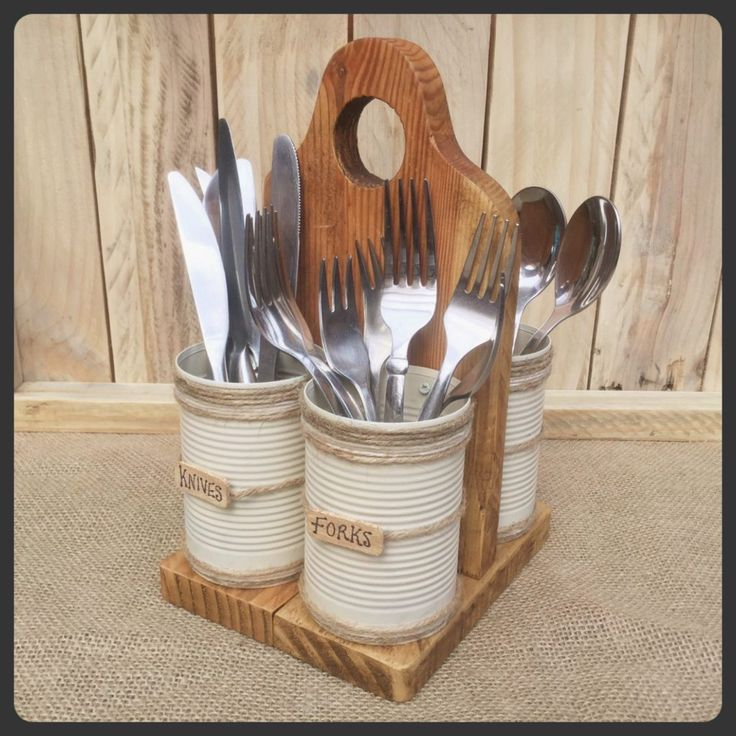 Recycle pallet wood and tin cans to make this cutlery holder. Full tutorial at www.thehackitts.com