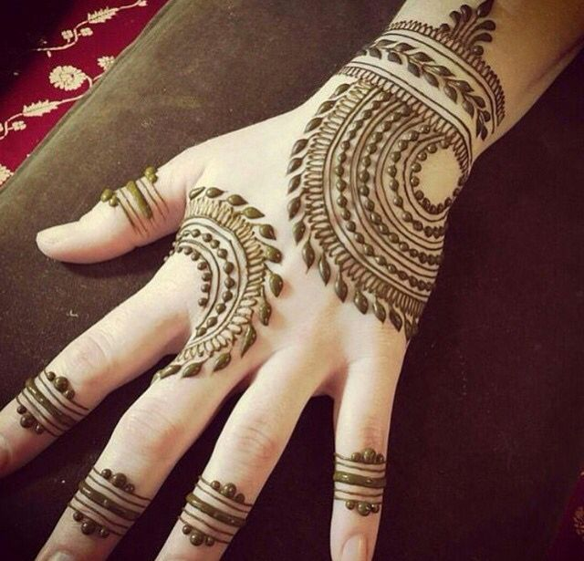 Beautiful Indian design henna mahendi