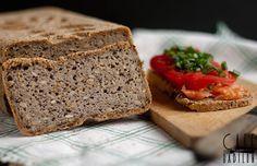 Przepyszny chleb z kaszy gryczanej. Bez drożdży, bez dodatku mąki - bezglutenowy, bez nabiału, z niskim indeksem glikemicznym.