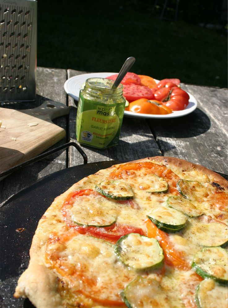 Recipe - Variation on a theme: Pizza sauce with fermented garlic scapes. Must try @LePetitMas fermented garlic scapes.
