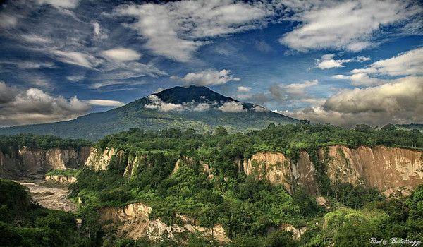 Bukittinggi, #Sumatra #Indonesië (foto: Roel MJ)  Meer info op:  http://www.zuidoostaziemagazine.com/de-belangrijkste-bezienswaardigheden-van-indonesie
