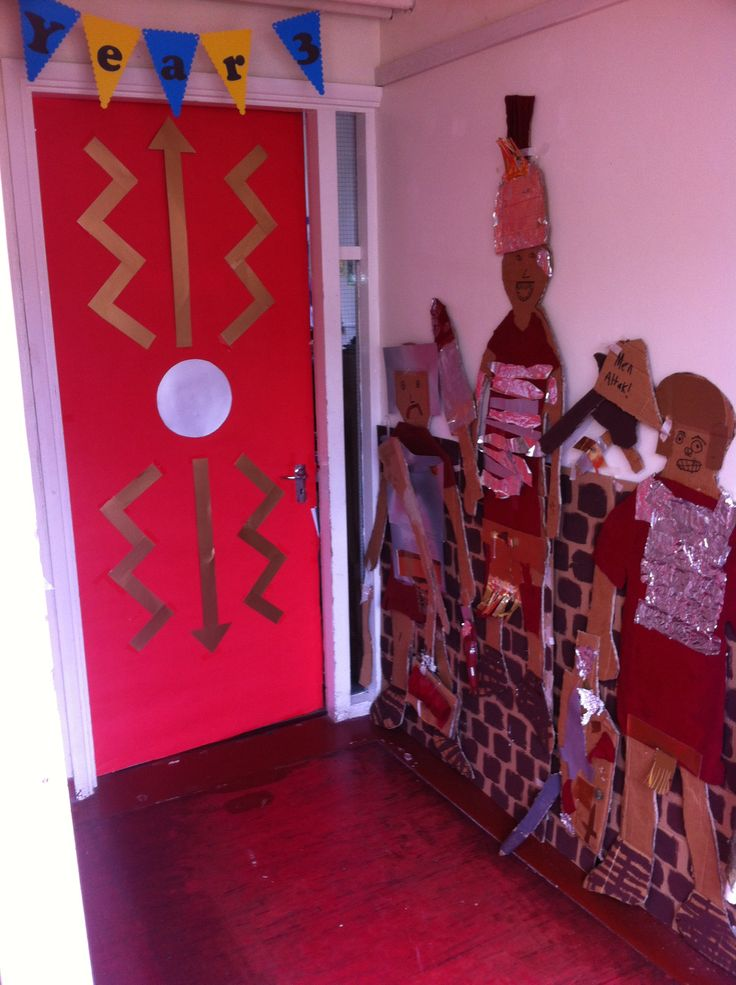 My doorway entrance for The Romans topic. The children research a Romans soldiers uniform and created a life sized Roman soldier. CS