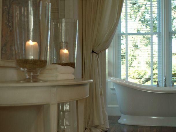 romantic-bathroom-linda-woodrum_w609.jpg (609×457)