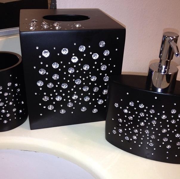 Swarovski crystal bathroom accessories such a great idea for Master bath accessories