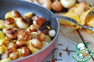 Жареный картофель с карамелизированным луком