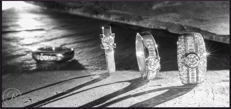 Anillos oro blanco y diamantes. www.joyeriasbriones.es